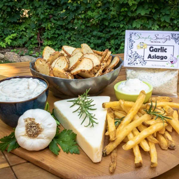 Garlic Asiago Dip Prepared with Fries and Bagel Chips